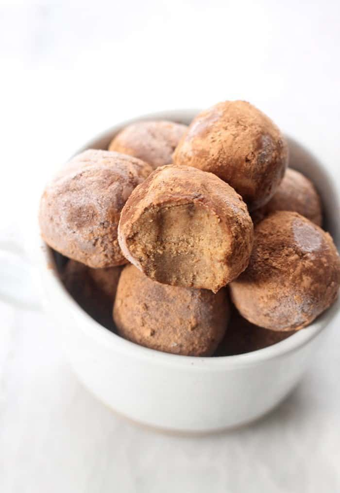 Peppermint Chocolate No-Bake Bites