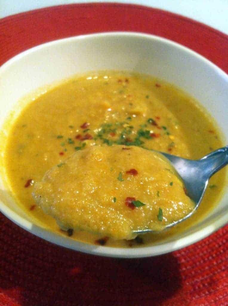 Curried Cauliflower and Carrot Soup | Hummusapien