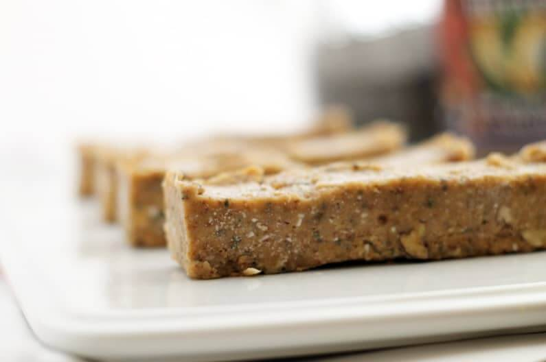 Vanilla Chickpea Protein Bars (No-Bake)