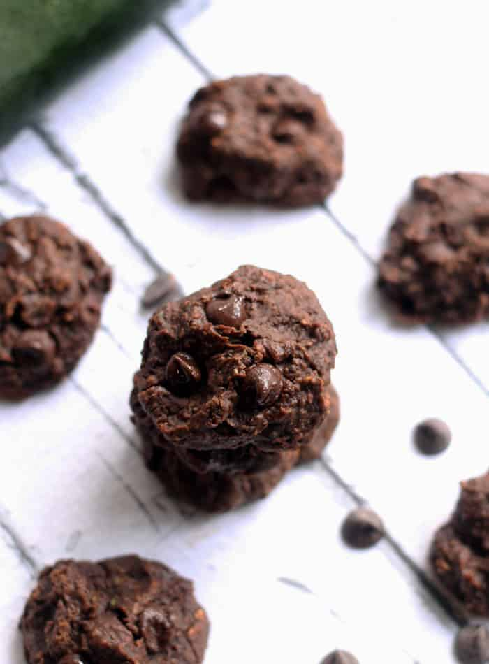 Healthy Flourless Fudgey Black Bean Zucchini Cookies...super easy and free of oil, butter, and refined sugar! #vegan #glutenfree   www.hummusapien.com