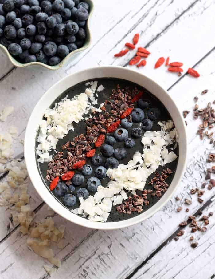 Blueberry Cacao Smoothie Bowl