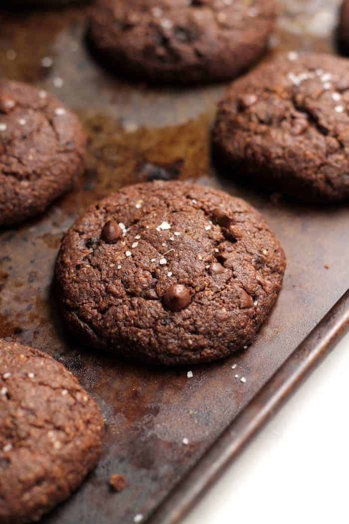 These decadent Double Chocolate Cookies are packed with whole grains and made with one bowl! They're completely vegan and gluten-free and have zero butter, refined flour, and refined sugar. Crisp on the edges and soft on the inside, they're the perfect guilt-free treat.