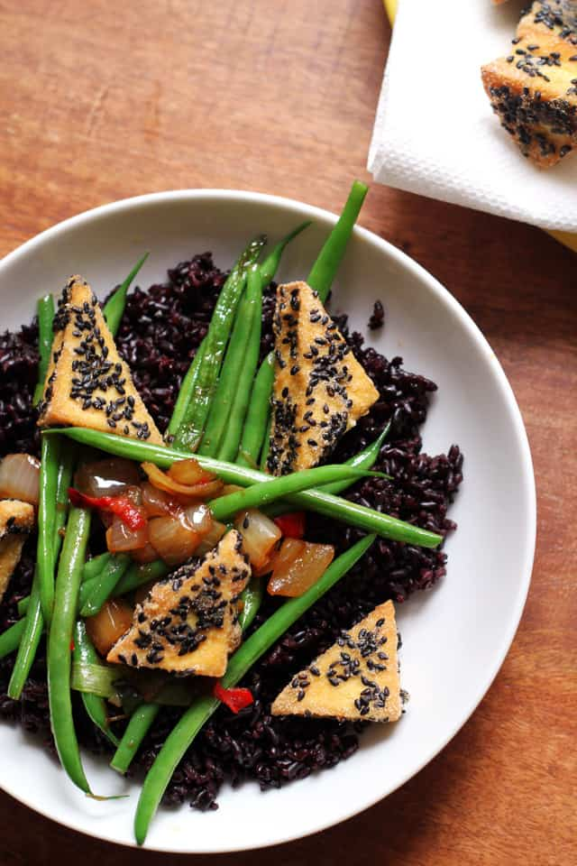 Amaranth-Crusted Tofu with String Beans and Forbidden Rice from Eats Well With Others