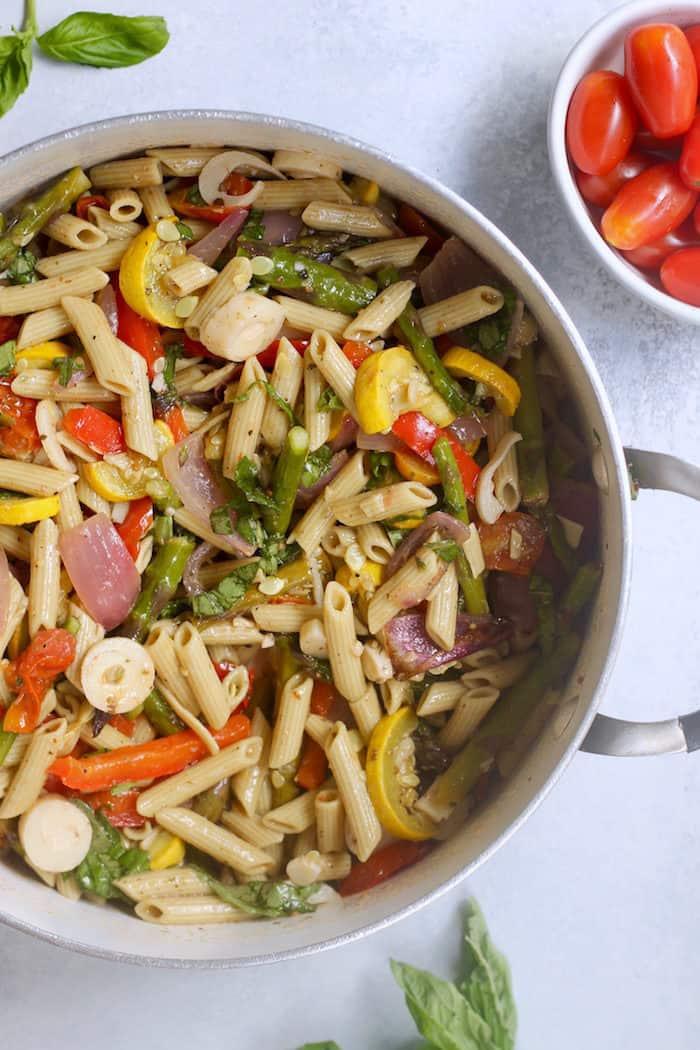 Roasted Veggie Pasta Salad from Hummusapien