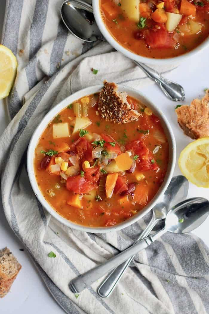 Yummiest Vegetable Soup from Hummusapien