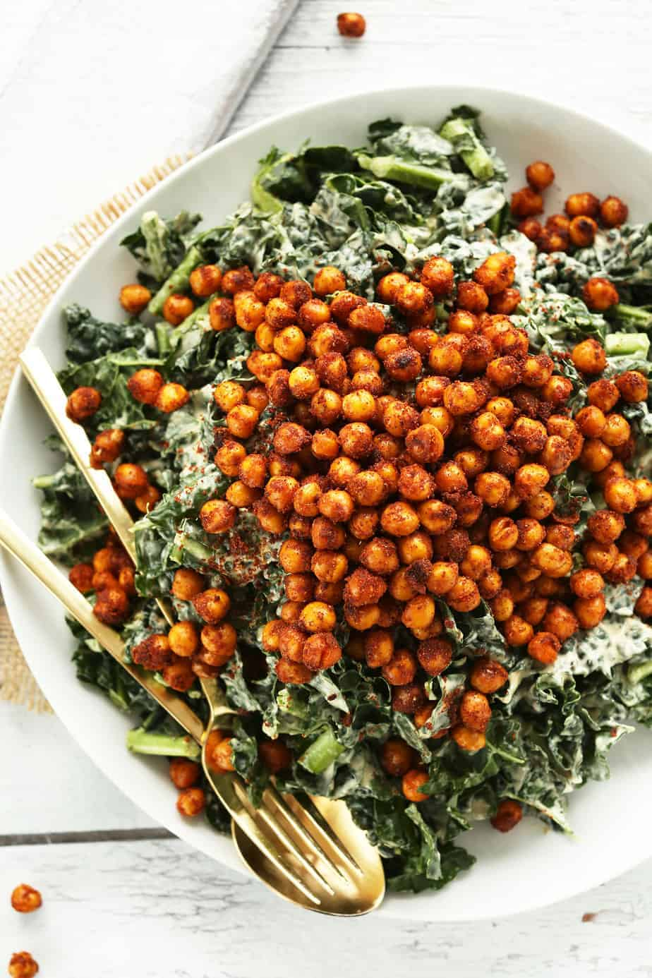 AMAZING-Garlicky-Kale-Salad-with-Tandoori-Spiced-Chickpeas-30-minutes-and-SO-delicious-vegan-glutenfree-dinner