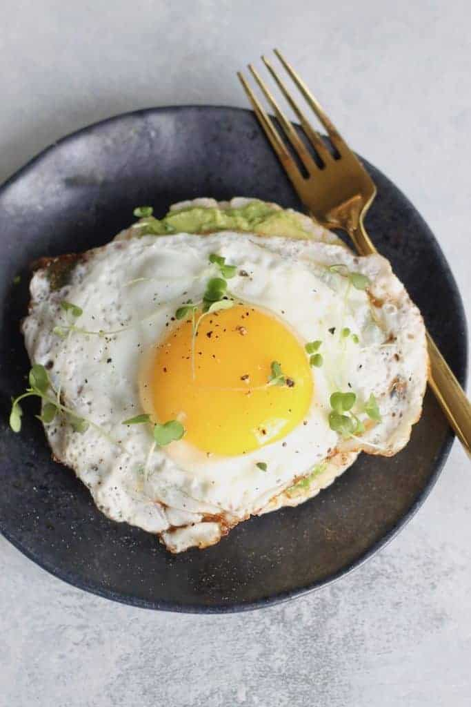 This crunchy and creamy Avocado & Egg Rice Cake is the perfect protein-packed snacked to keep you satisfied all afternoon.