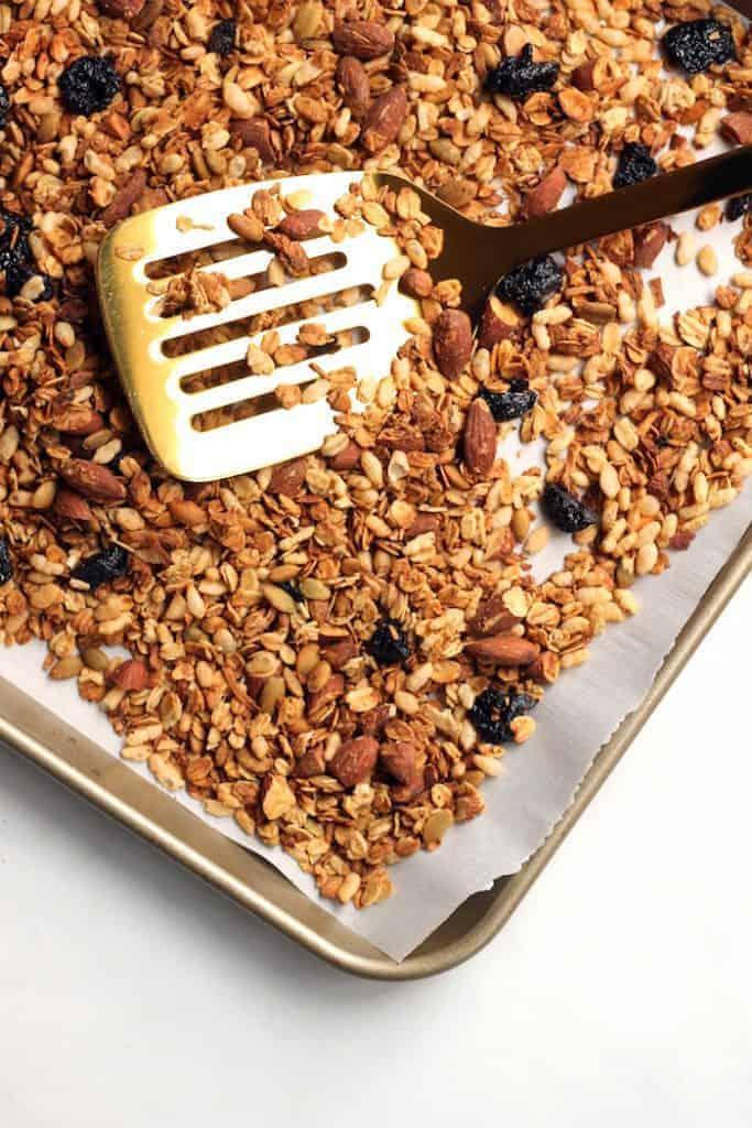 cherry-vanilla-granola1