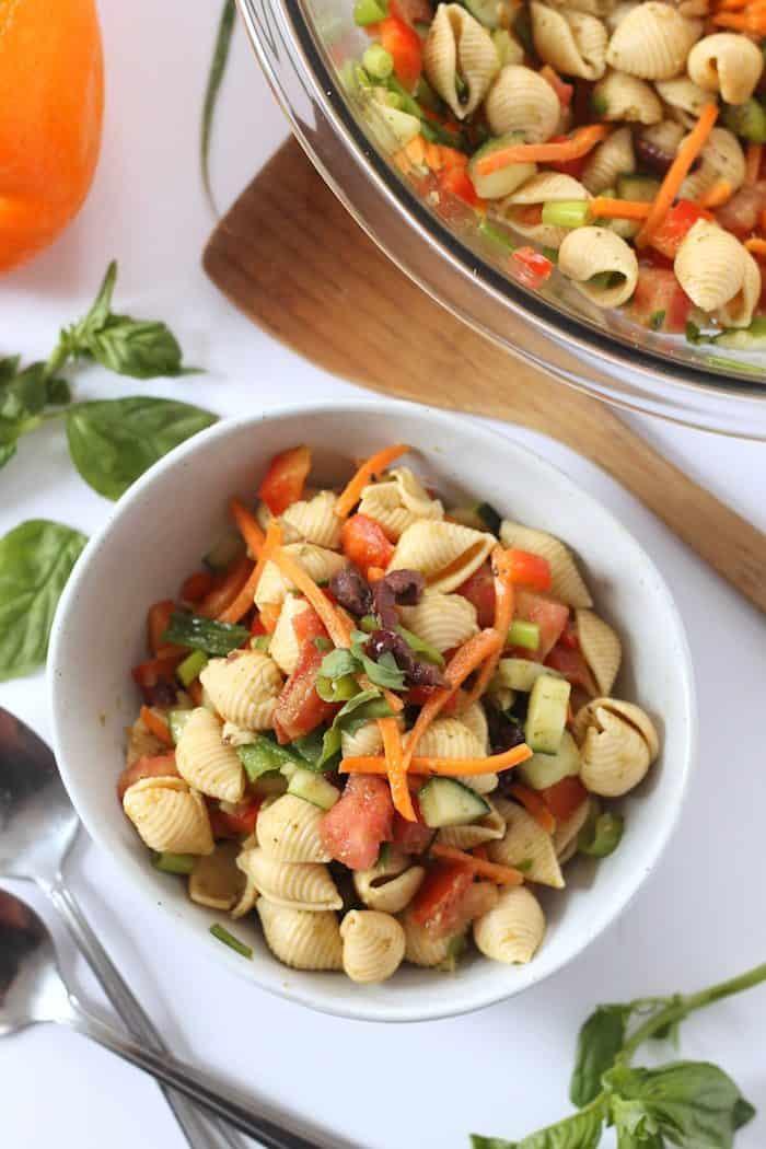 Healthy Pasta Salad from Hummusapien