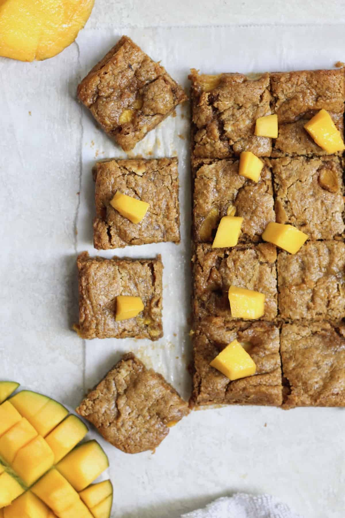 mango blondies cut